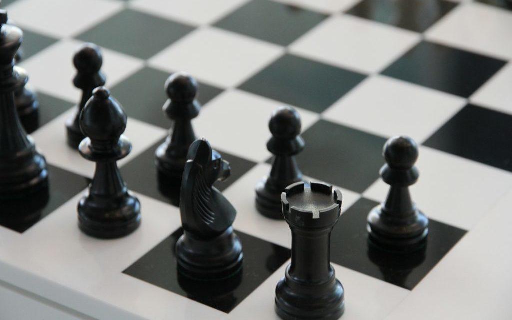 schaakbord, zwarte kant