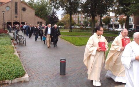 Processie bij de sluiting van de Jacobuskerk, Utrecht