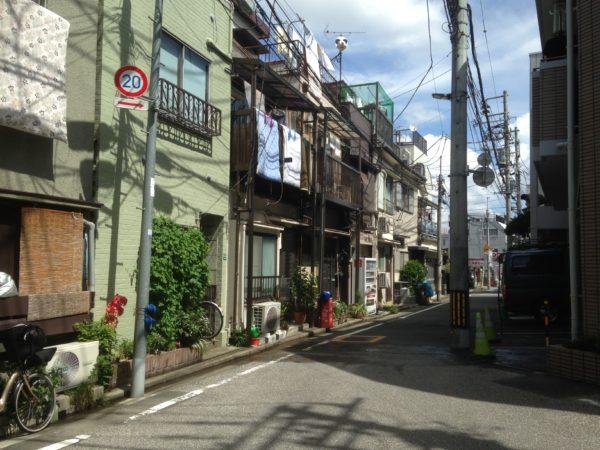 De rustige wijk in Japan van Aafke van Ewijk