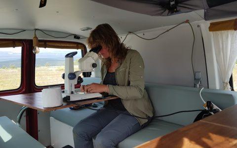 Lisette van Kolfschoten in de Biobus